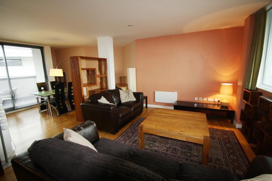 2 Bedrooms Penthouse Flat for sale in CROWN STREET BUILDINGS, 2 CROWN STREET, LEEDS, LS2 7DA