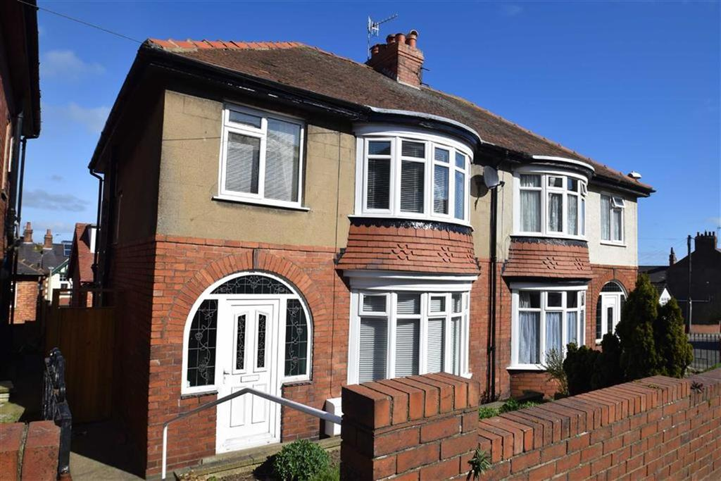 3 Bedrooms Semi Detached House for sale in Mount Park Avenue, Scarborough, North Yorkshire, YO12