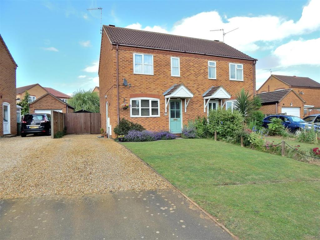 2 Bedrooms Semi Detached House for sale in Robert Balding Road, Dersingham, King's Lynn