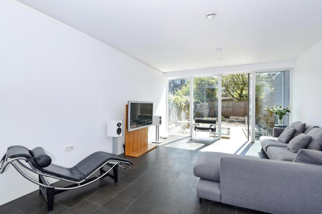5 Bedrooms Semi Detached House for sale in Leicester Road, East Finchley