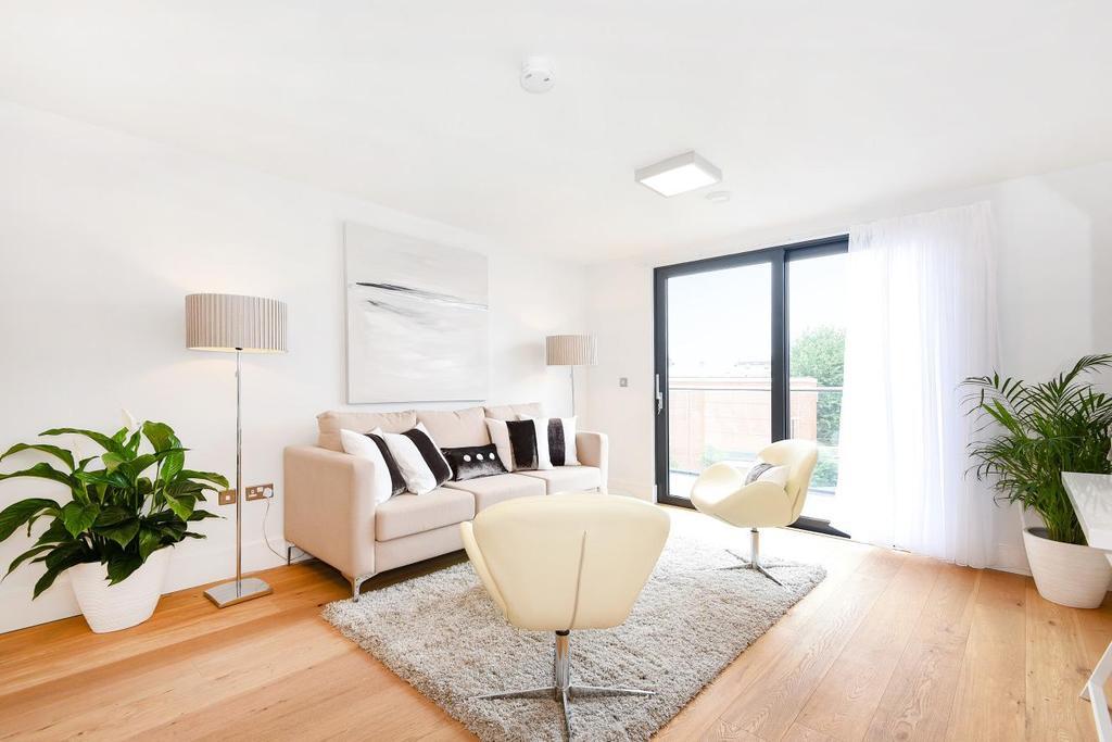2 Bedrooms Flat for sale in Kilburn Park Road, Kilburn