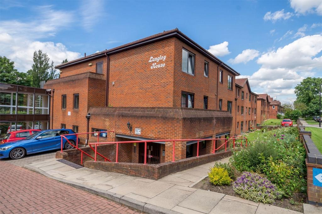 1 Bedroom Retirement Property for sale in Langley House, Dodsworth Avenue, York