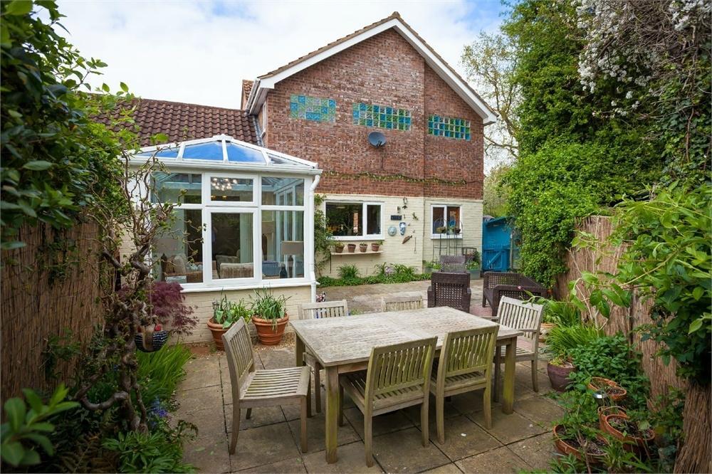 3 Bedrooms Detached House for sale in Giffard Park, MILTON KEYNES, Buckinghamshire