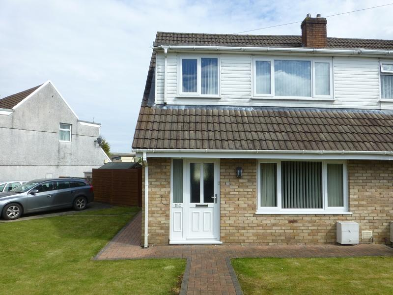 3 Bedrooms Semi Detached House for sale in Teglan Park, Ammanford, Carmarthenshire.