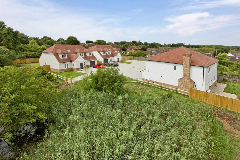 4 Bedrooms Detached House for sale in Northiam Road, BROAD OAK, East Sussex