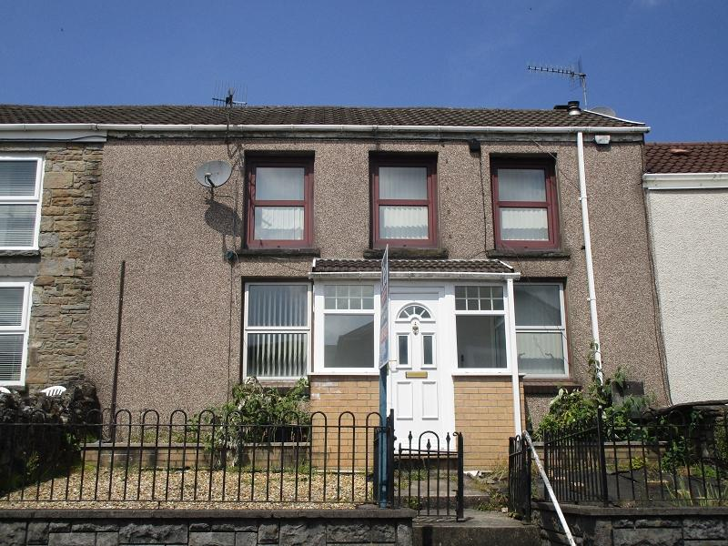 3 Bedrooms Terraced House for sale in Wern Road, Ystalyfera, Swansea.