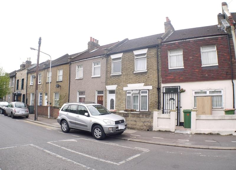 3 Bedrooms Terraced House for sale in Odessa Road, London, Greater London. E7
