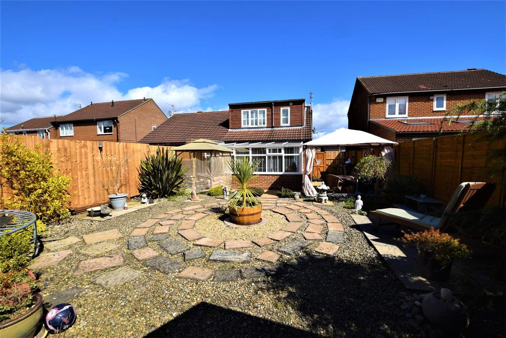 2 Bedrooms Semi Detached Bungalow for sale in Wardley