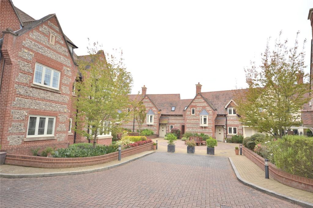 3 Bedrooms End Of Terrace House for sale in Florence Court, Wilton, Salisbury