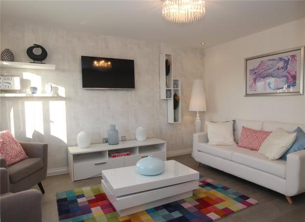 3 Bedrooms Detached House for sale in Heather Gardens, Off Back Lane,, Hethersett,, Norwich,