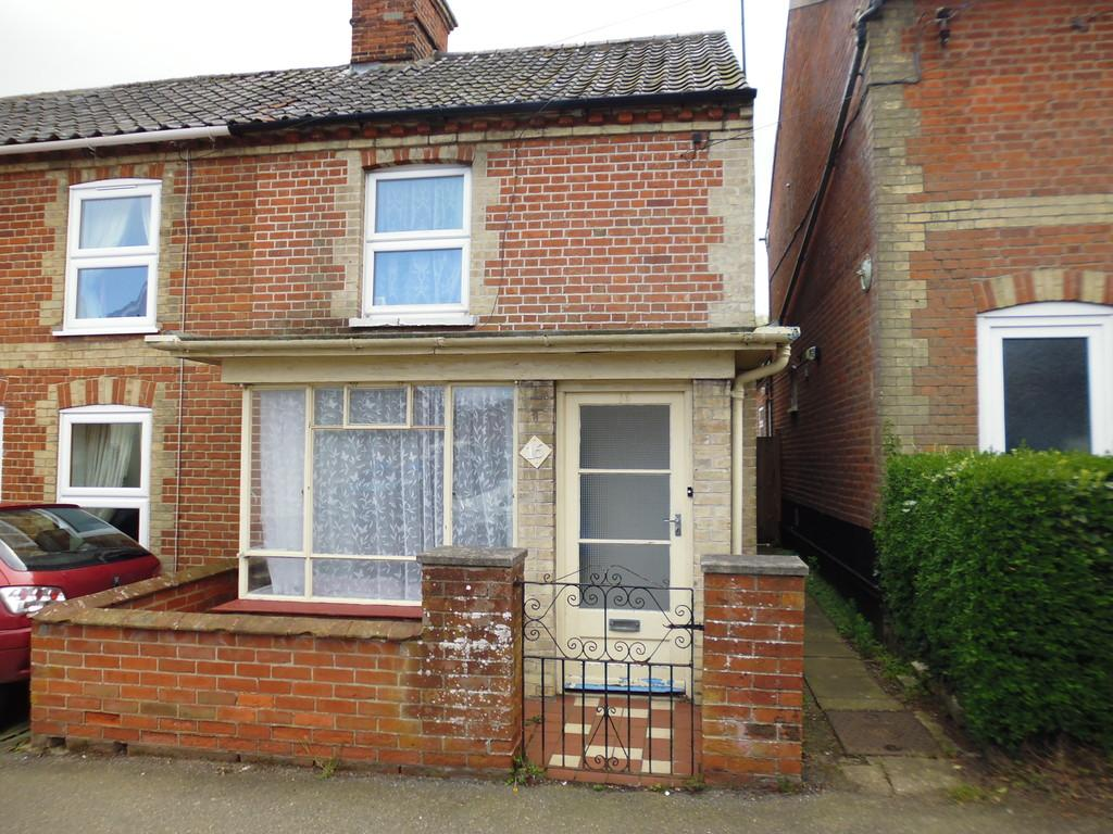 Saxmundham 2 bed end of terrace house 495 pcm 114 pw for 114 the terrace st john house