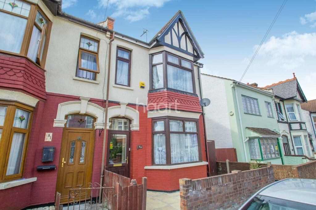 4 Bedrooms End Of Terrace House for sale in Hainault Avenue