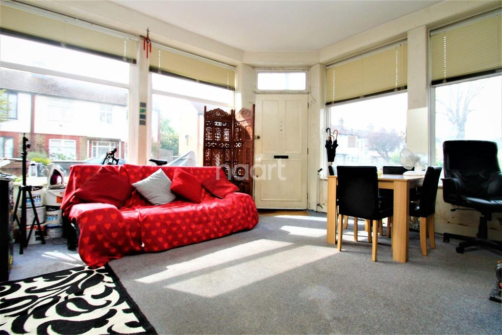 1 Bedroom Flat for sale in Bedford Road, Walthamstow