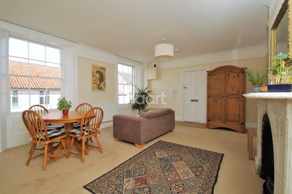 2 Bedrooms Flat for sale in Norwich Street, Dereham