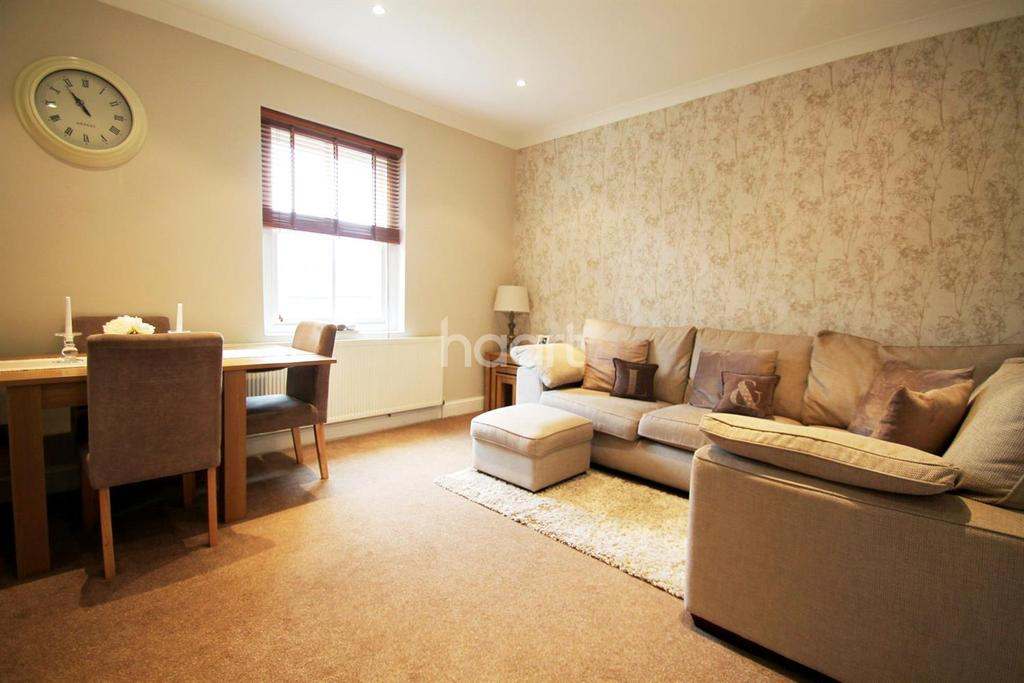 1 Bedroom Flat for sale in Leavesden Court, Abbots Langley