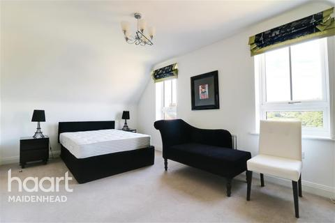 4 bedroom terraced house to rent - Maidenhead