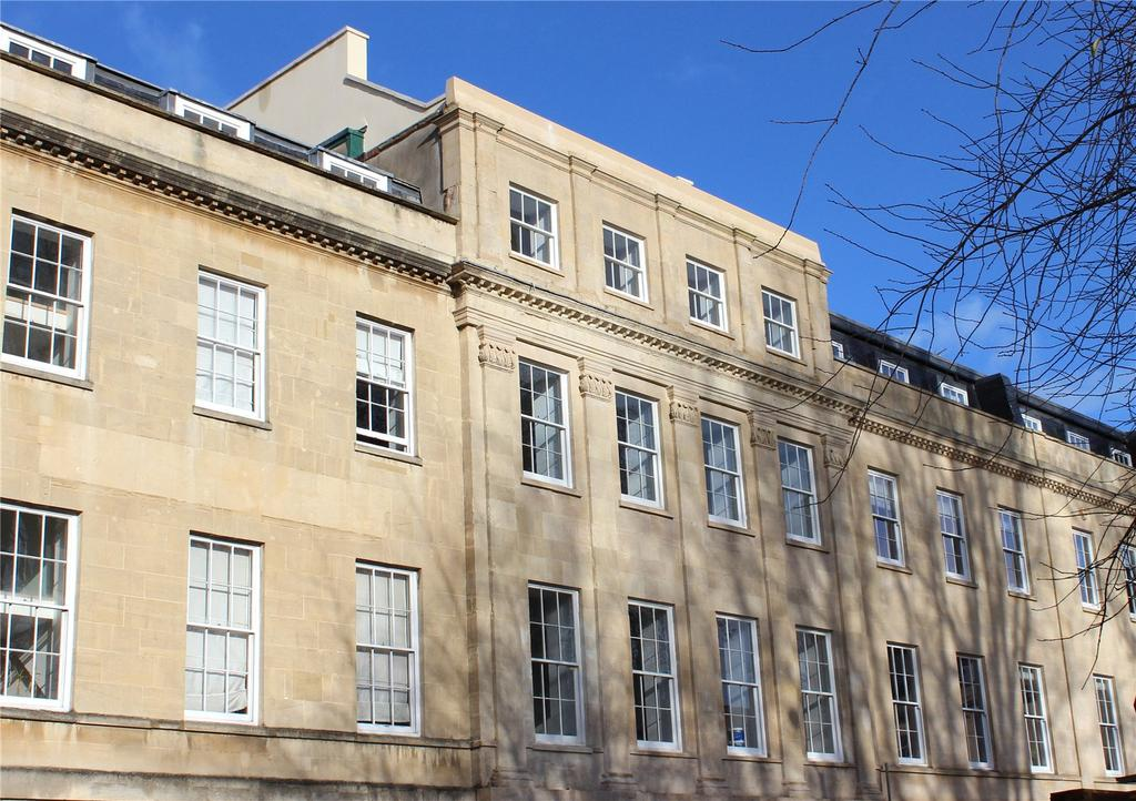3 Bedrooms Apartment Flat for sale in Portland Square, Bristol, BS2