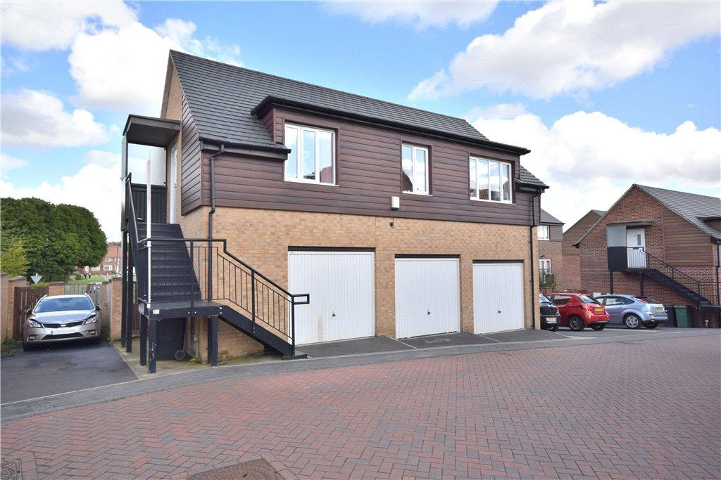 2 Bedrooms House for sale in Oaklands Crescent, Leeds