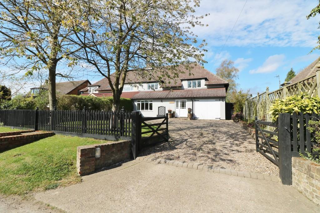 4 Bedrooms Semi Detached House for sale in Little Hormead, Buntingford