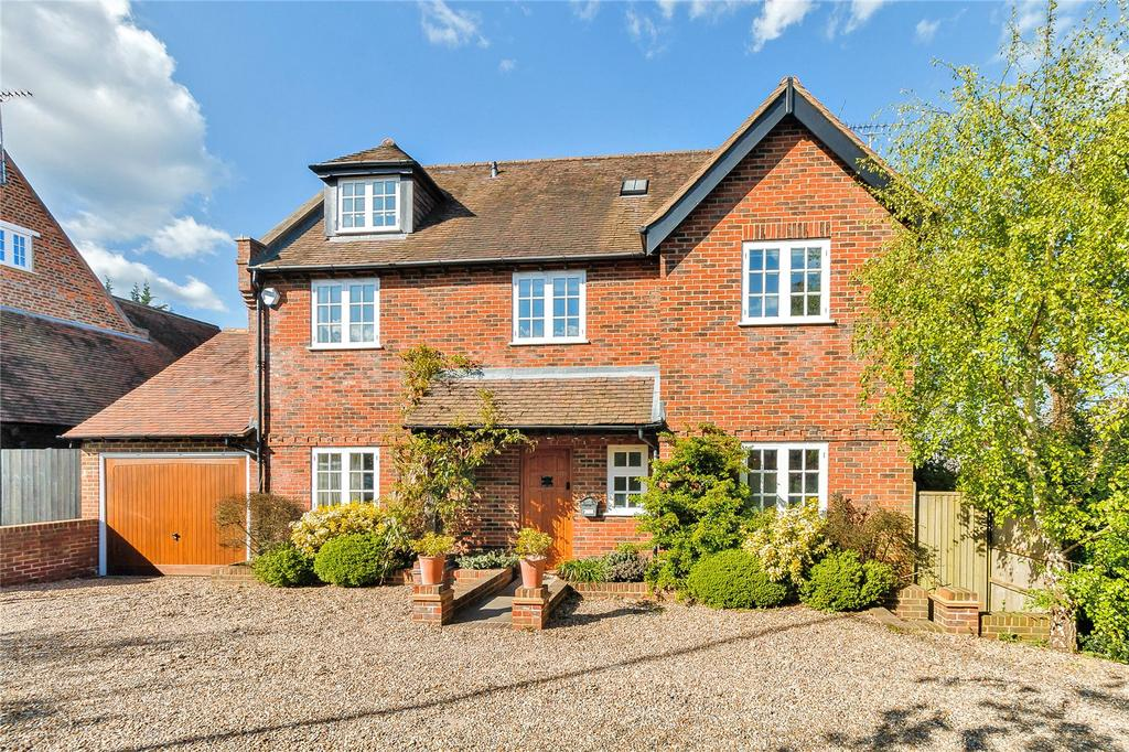 6 Bedrooms Detached House for sale in Oxford Road, Tatling End, Gerrards Cross, Buckinghamshire