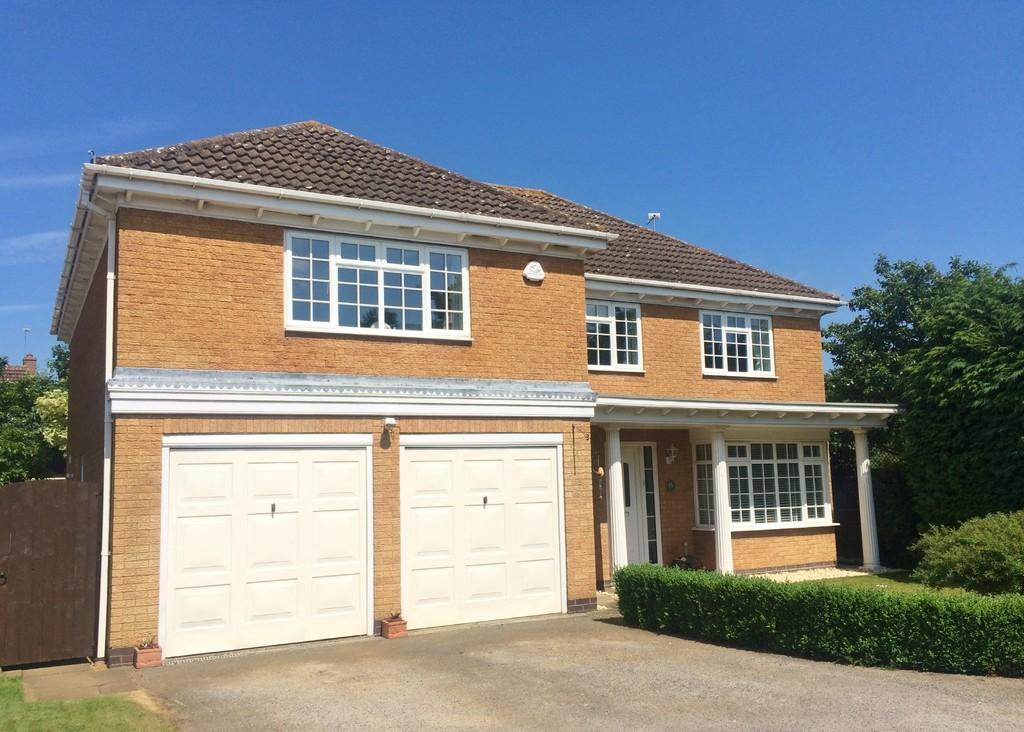 5 Bedrooms Detached House for sale in Robin Close, Oakham