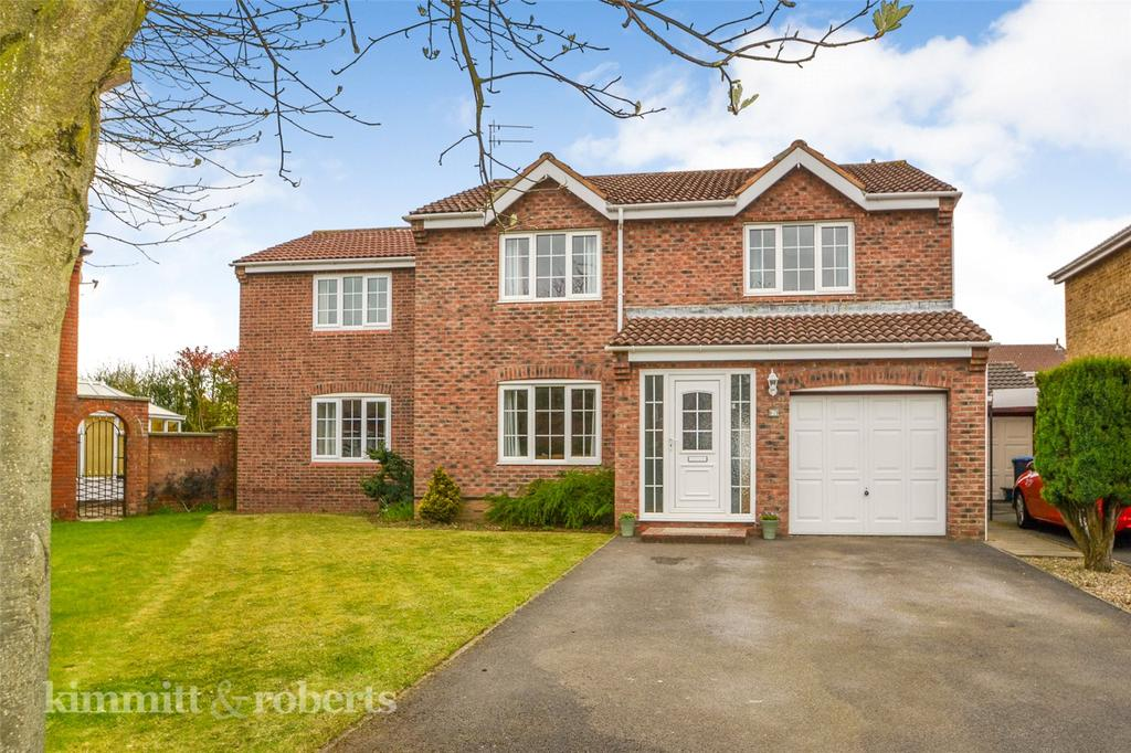 5 Bedrooms Detached House for sale in Berwick Chase, Oakerside, Peterlee, Co.Durham, SR8