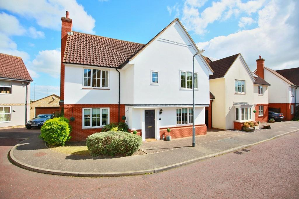 4 Bedrooms Detached House for sale in Oxley Parker Drive, Colchester