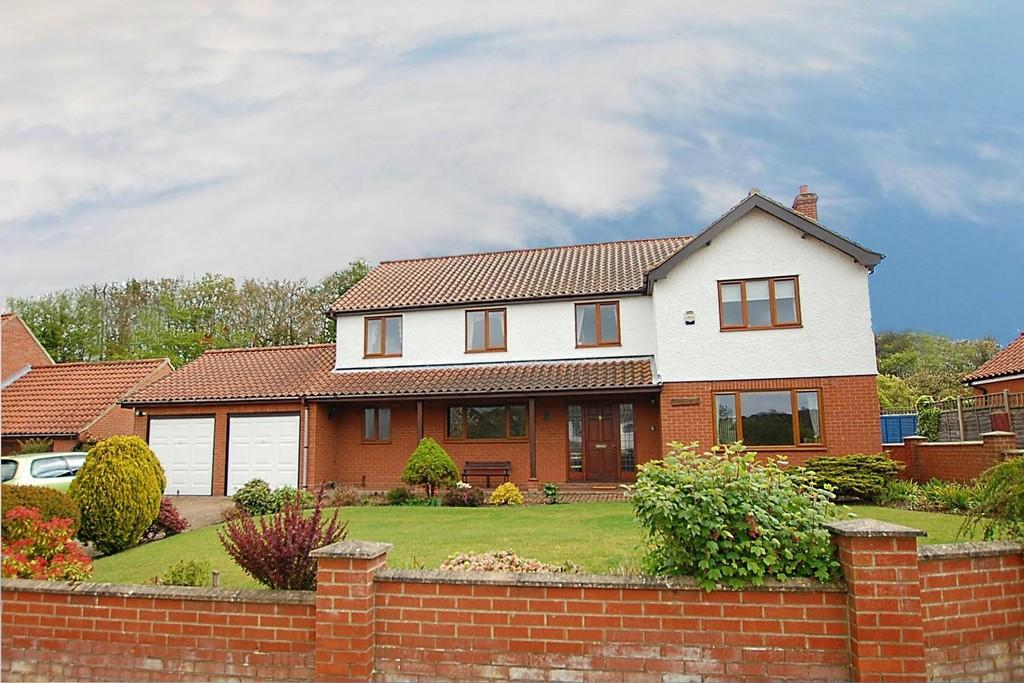 4 Bedrooms Detached House for sale in The Paddock, East Runton
