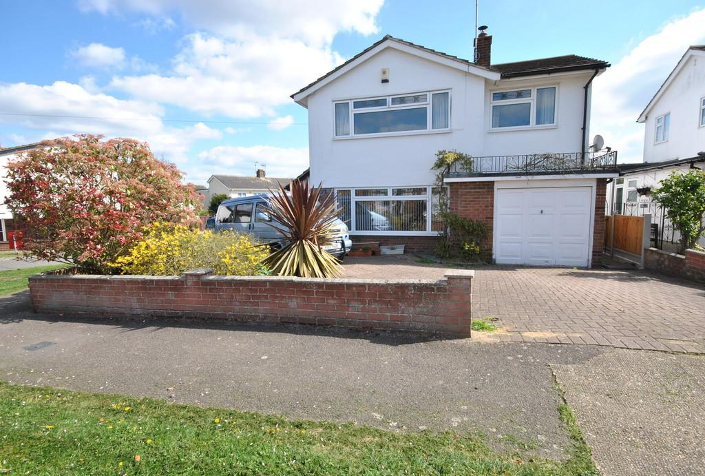 4 Bedrooms Detached House for sale in Falbro Crescent, Hadleigh