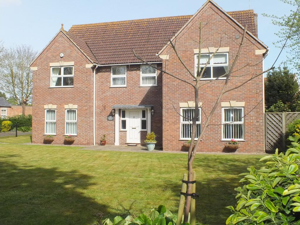 5 Bedrooms Detached House for sale in Paddock Green, Spalding
