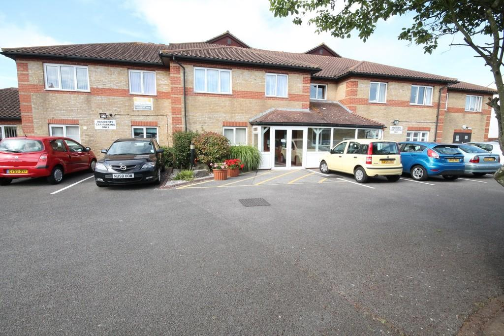 1 Bedroom Flat for sale in Amberley Court, Freshbrook Road, Lancing, BN15 8DS