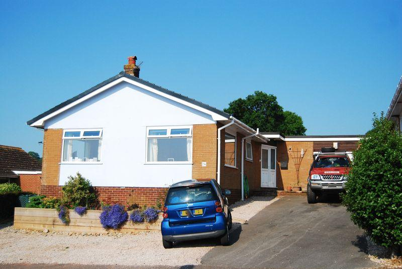 3 Bedrooms Detached Bungalow for sale in Sweetbriar Lane, Holcombe (Near Dawlish)