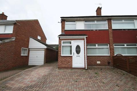 3 bedroom semi-detached house to rent - Selwyn Drive, Stockton-On-Tees, TS19 8XF