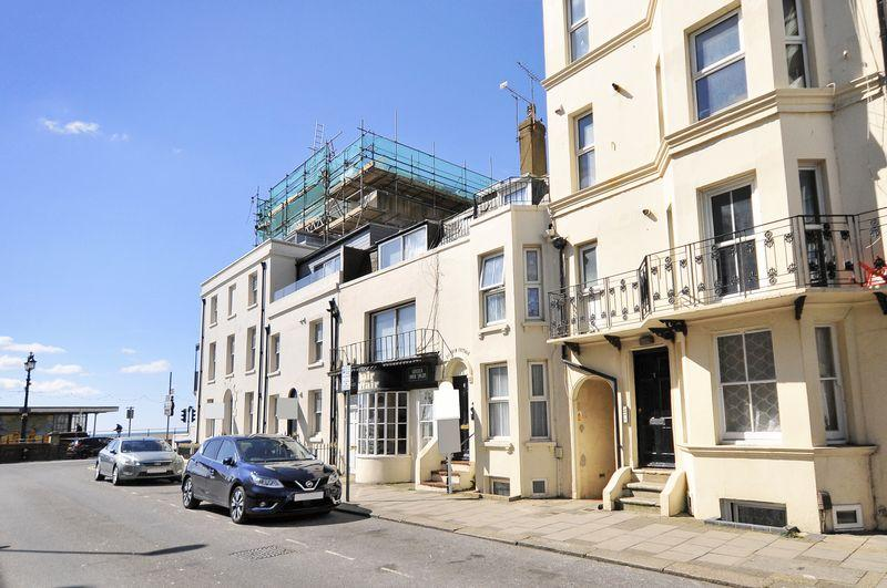 1 Bedroom Flat for sale in West Buildings, Worthing