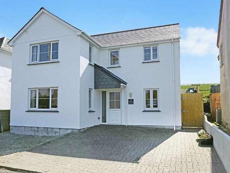 3 Bedrooms Detached House for sale in Treskinnick Cross, Bude