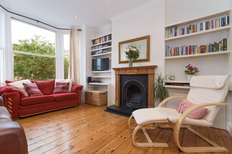 2 Bedrooms Apartment Flat for sale in Victoria Way, Charlton