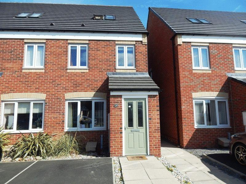 3 Bedrooms Town House for sale in Talisman Way, South Shore, Blyth