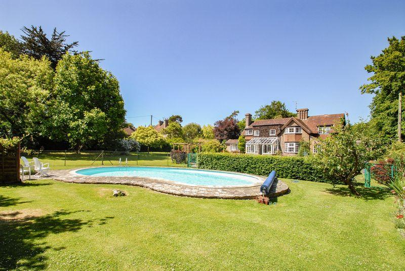 4 Bedrooms Detached House for sale in Beacon Road, Ditchling