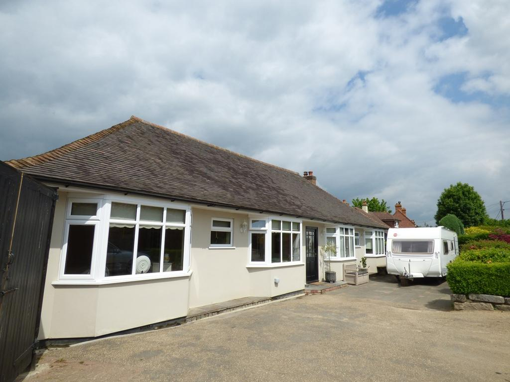 5 Bedrooms Detached Bungalow for sale in Marlpits Lane, Ninfield, Battle, TN33