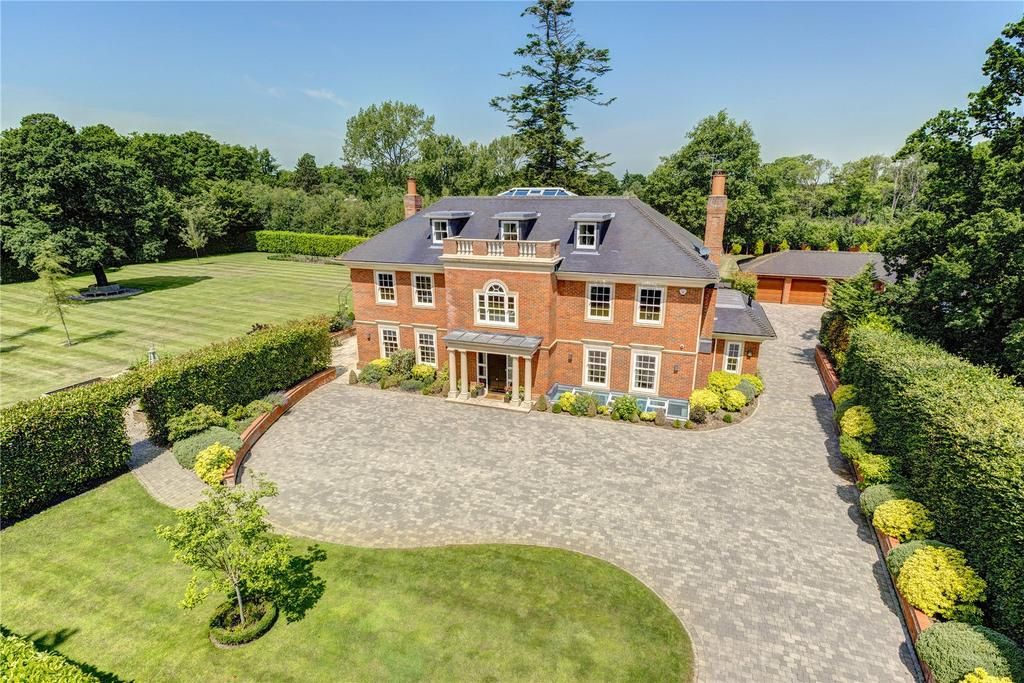 6 Bedrooms Detached House for sale in Fulmer Common Road, Fulmer, Buckinghamshire, SL3