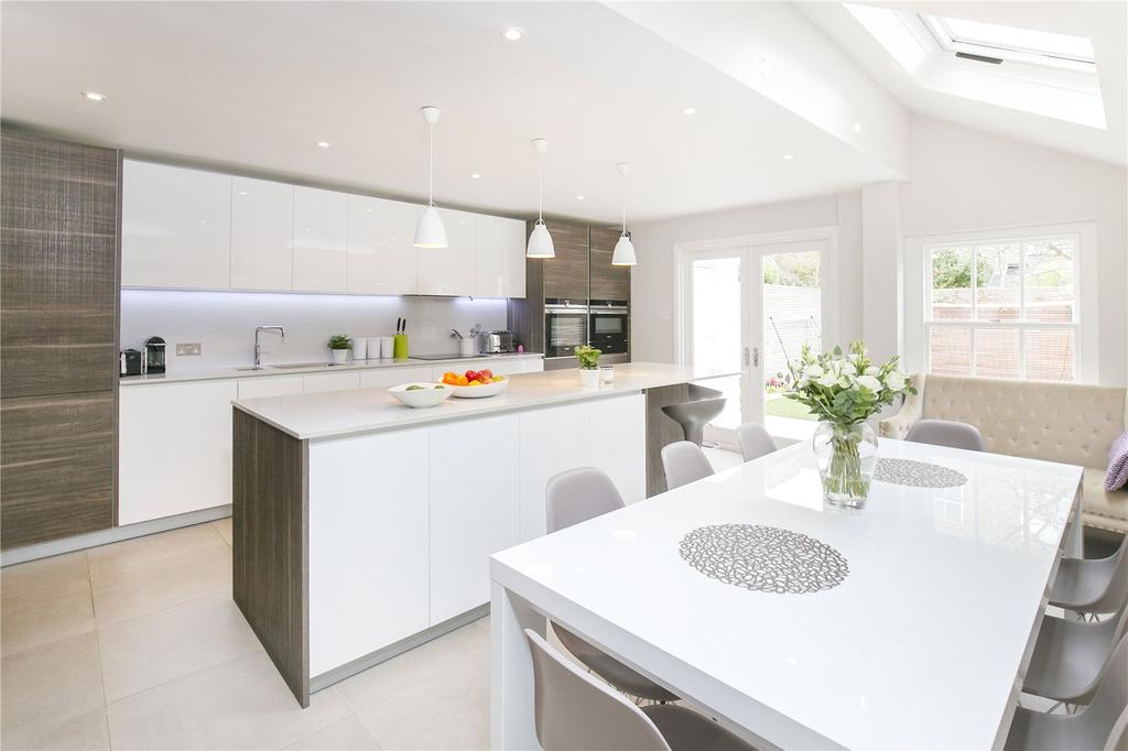 5 Bedrooms Terraced House for sale in Trefoil Road, Wandsworth, London, SW18