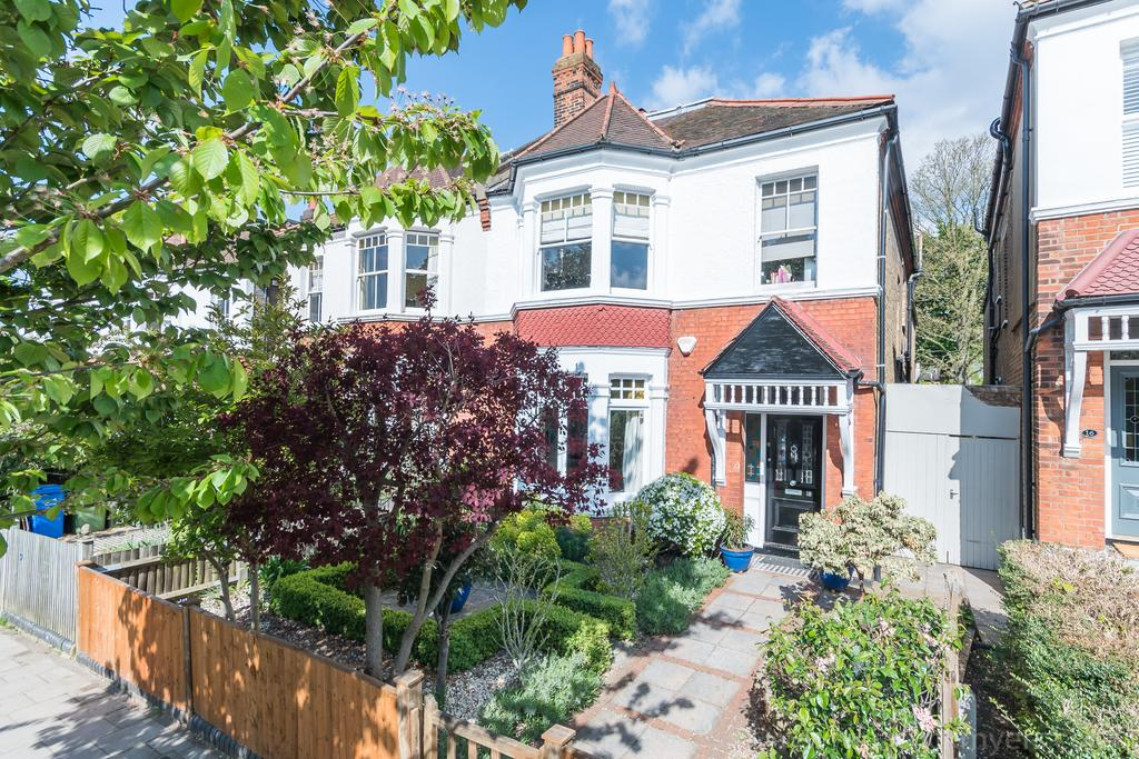 5 Bedrooms Semi Detached House for sale in Eynella Road,East Dulwich