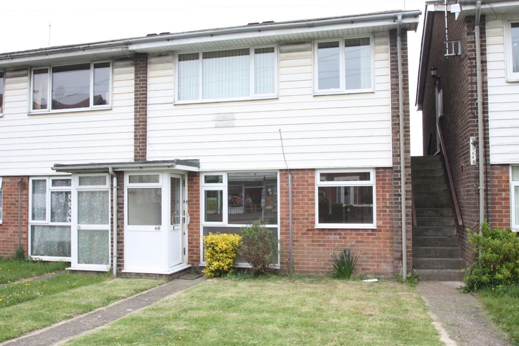 2 Bedrooms Ground Flat for sale in Gordon Road, Gosport PO12