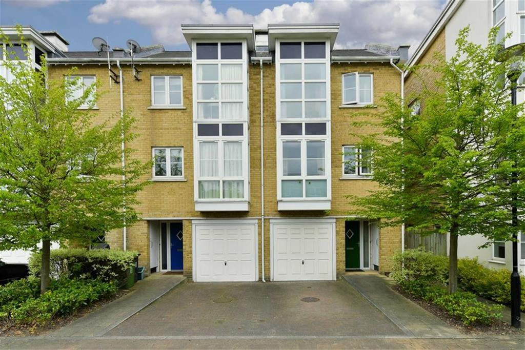 3 Bedrooms End Of Terrace House for sale in Revere Way, West Ewell, Surrey