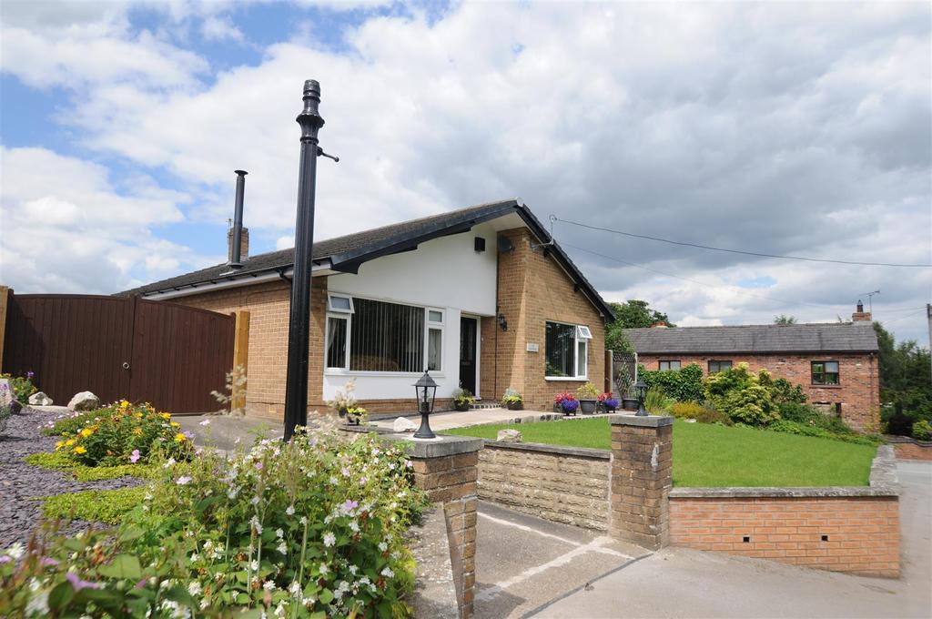 3 Bedrooms Detached Bungalow for sale in Meeting House Lane, Kingsley