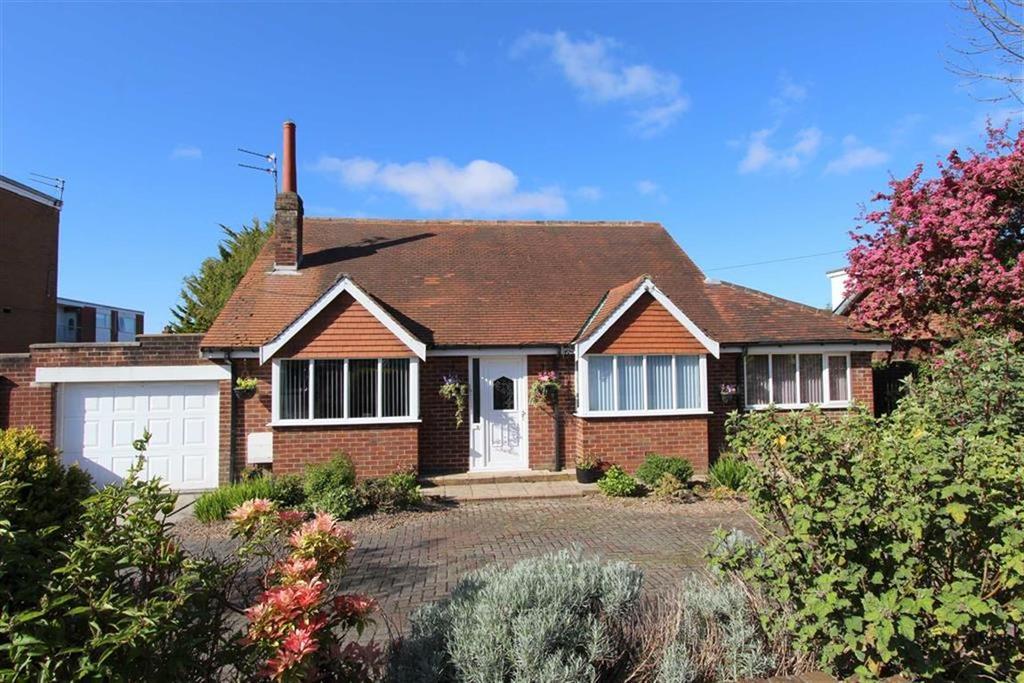 4 Bedrooms Detached Bungalow for sale in Saltcotes Road, Lytham St Annes, Lancashire