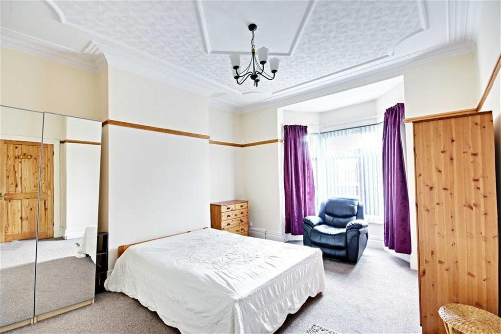 2 Bedrooms Flat for sale in Osborne Avenue, South Shields, Tyne And Wear