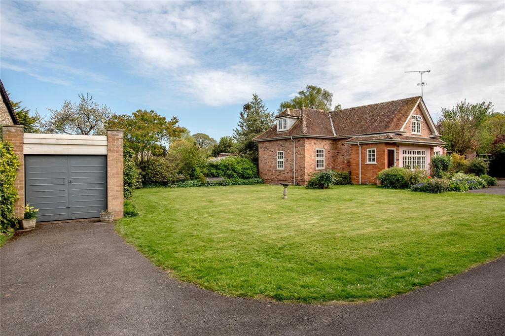 4 Bedrooms Detached House for sale in Church Road, Trull, Taunton, Somerset