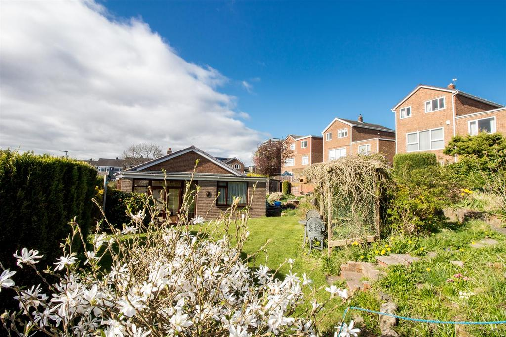2 Bedrooms Detached Bungalow for sale in St. Ronans View, Gateshead