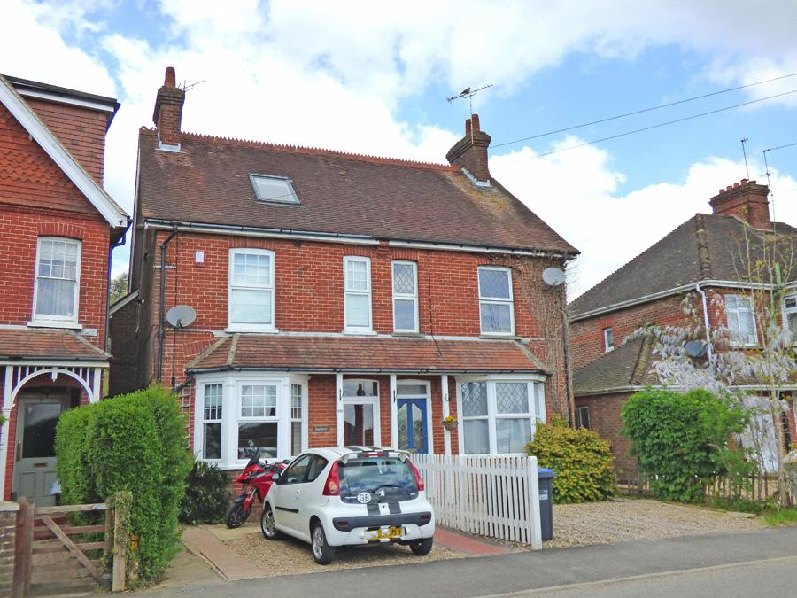 5 Bedrooms House for sale in Junction Road, Burgess Hill, RH15
